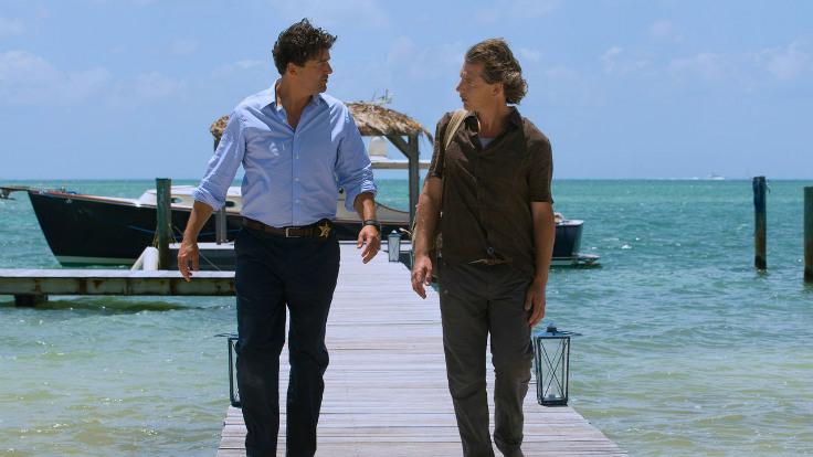 Kyle Chandler und Ben Mendelsohn tragen ein großartiges Ensemble durch die Florida Keys. Foto: Netflix